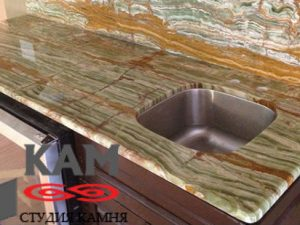 Столешница в ванную из оникса